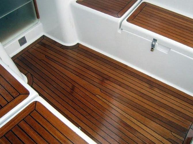 Dabīgā eļļa grīdām uzklāta uz iepriekš tonētas ar lineļļas krāsu NATURA riekstkoks grīdas