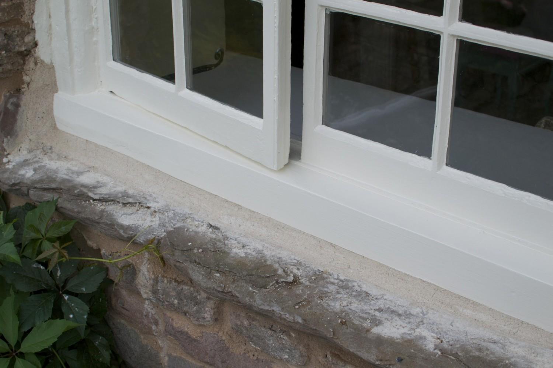Sedzoša lineļļas krāsa KLASIKA balta