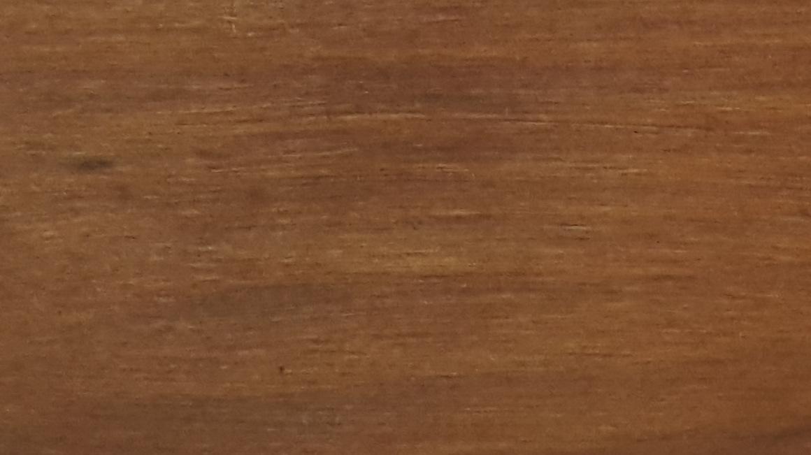 Balināts un noklāts ar NATURA riekstkoks termodēlis