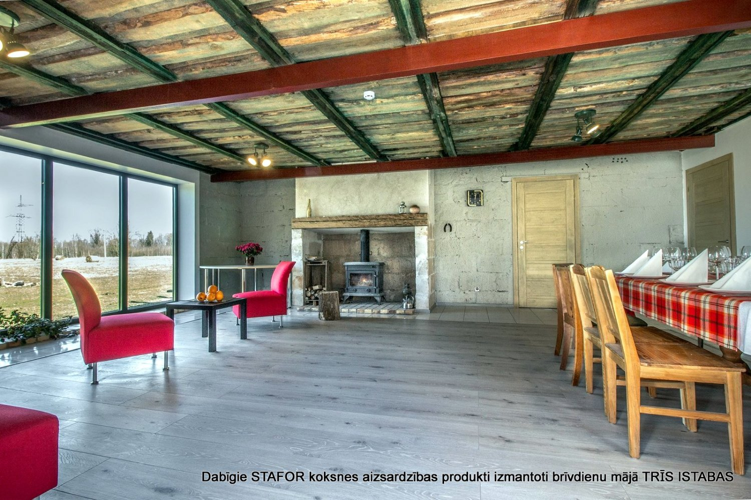 Linseed paint - stain NATURA green used for ceiling elements