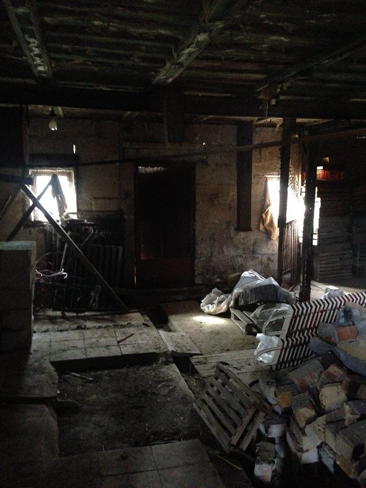 Brīvdienu māja TRĪS ISTABAS pirms atjaunošanas darbiem