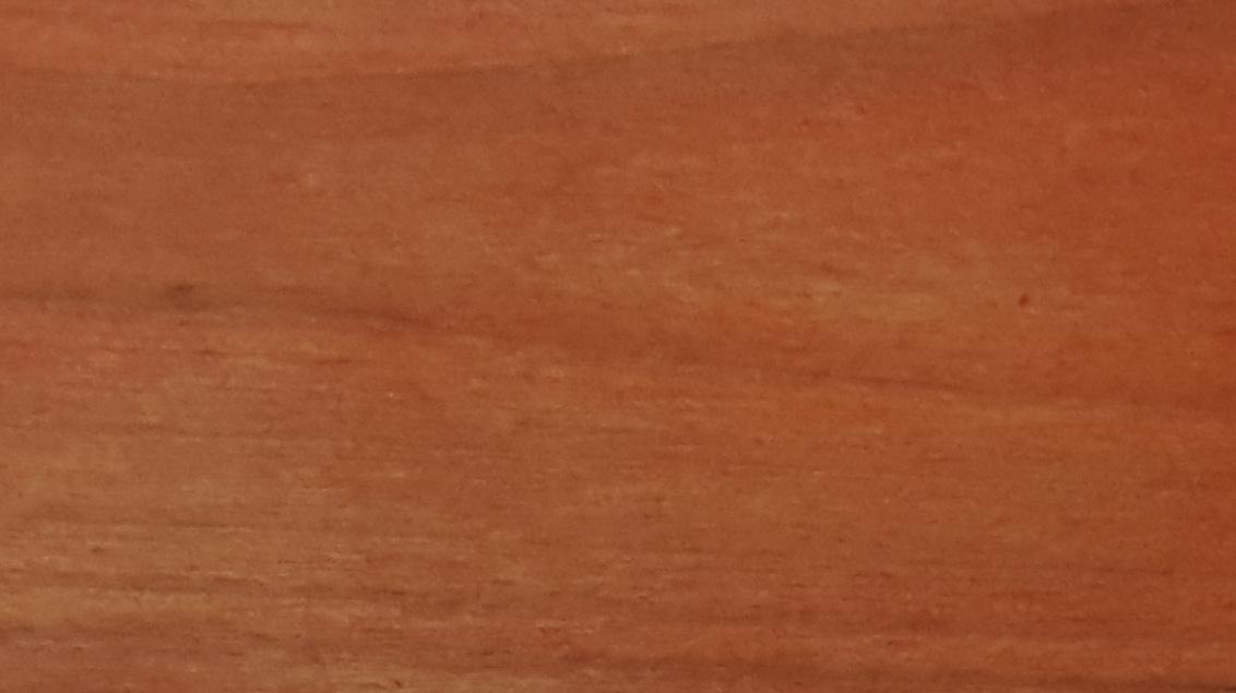 Balināts un noklāts ar NATURA mahagons termodēlis
